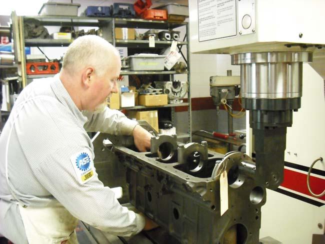 Inline Block Line Bore on Engine Block Cylinder Head